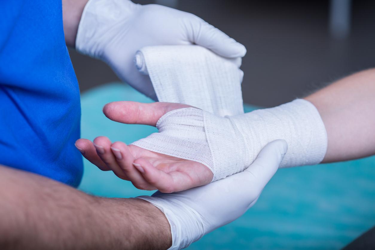 Handchirurgen waarschuwen: pas op met klussen in quarantaine!